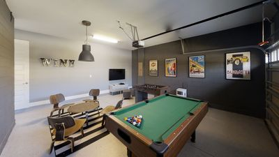 2-ACO-PREMIUM-6-Bd-with-private-Pool-and-Spa-1864-Basement.jpg