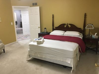 Photo for Deluxe Queen Suite At Unbeatable Price!