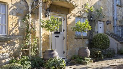 Photo for 2BR Cottage Vacation Rental in Broadway, Worcestershire