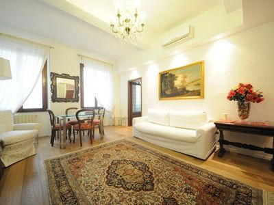 Photo for Welcoming and classic apartment perfect for your holidays in Florence