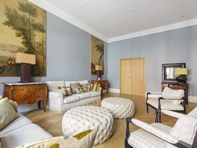 Photo for Spacious 3Bed Apt w/ Wooden Floors in Chelsea