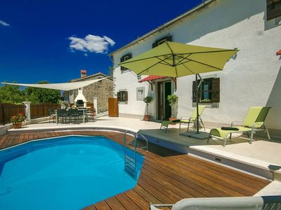Photo for Traditional house with private pool and panoramic views, incl. Wi-Fi and air conditioning