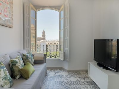 Photo for Cosy 7 Bedrooms in Plaza de la Merced  (C11)