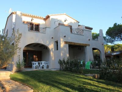 Photo for Beautiful apartment in a villa on the sea and direct access to the beach
