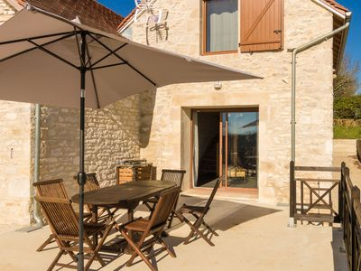 Photo for A view of the Dordogne valley from your terrace, swimming pool or jacuzzi!