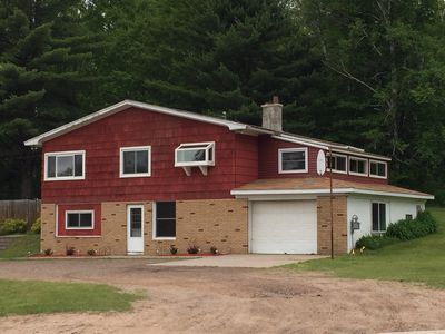 Beautiful 5 bedroom, Marquette home. Open all year!