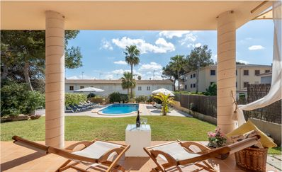 Photo for Modern Villa with private pool and 1 minute walk to sandy beach