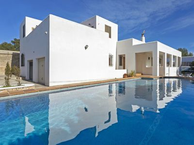 Photo for Gavina 5 minutes from O Beach Ibiza with pool, BBQ, wifi