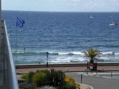 Photo for Apartment well located, sea view terrace. 50 m. 2-4 pers