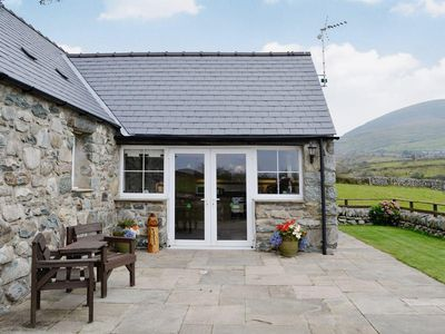 Photo for 1 bedroom property in Harlech. Pet friendly.