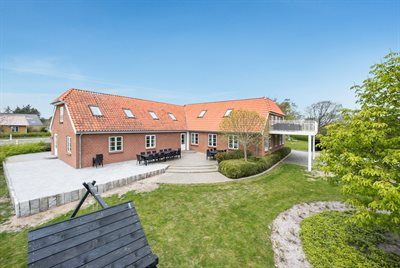 Photo for 10 bedroom accommodation in Rømø