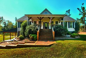 Photo for 3BR Guest House Vacation Rental in ROOPVILLE, Georgia
