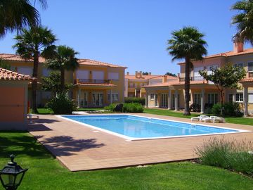 Praia D'El Rey Golf & Beach Resort. Luxury Pool Side Apartment