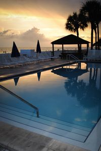 Sunset off the Gulf front pool. 50 loungers and barbecues are available free