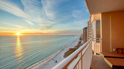 Photo for New! Fun & Updated beachfront condo, 20th floor sunset views! 3 Pools, free WiFi