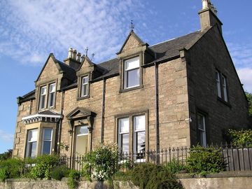 Recently-renovated Victorian stone villa in the Riverside Conservation Area