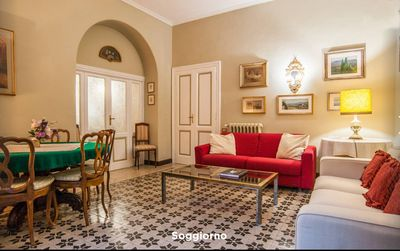 Photo for Elegant apartment 20 minutes from the Colosseum