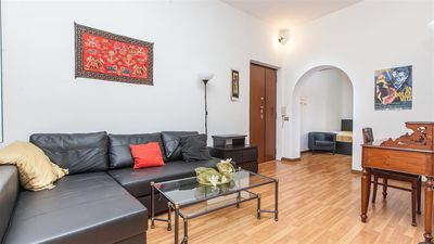 Photo for Santini 2121 apartment in Trastevere with air conditioning & lift.