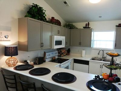 Photo for Bargain! 3 Bdrm, Sunroom, On-Site Marina, Amenities, 6 Recliners