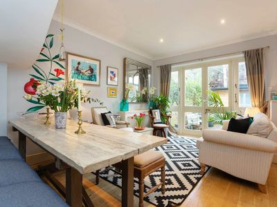Photo for Lovely 3 bedroom Hammersmith home with a warm and homely atmosphere  (Veeve)