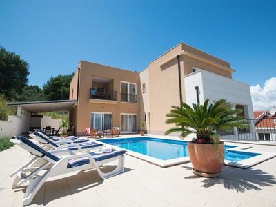 Photo for Luxury and modern Villa with a swimming pool