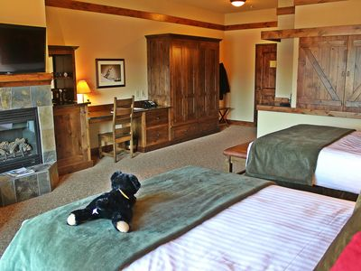 Photo for New Listing! Two Queen Viking Lodge Room
