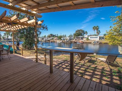 BEAUTIFUL WATERFRONT VIEW! 1 MINUTE FROM THE GULF, PET FRIENDLY!