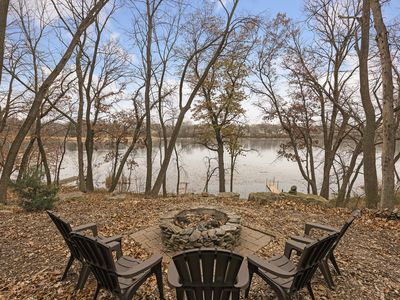 Photo for 4 bedroom 2 bath Lake Home in the City