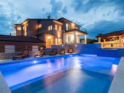 Photo for Large villa with large pool, sauna, whirlpool, fitness equipment, billiards and a professional outdoor kitchen