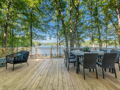 Photo for Charming Waterfront Cottage with Boat Rental