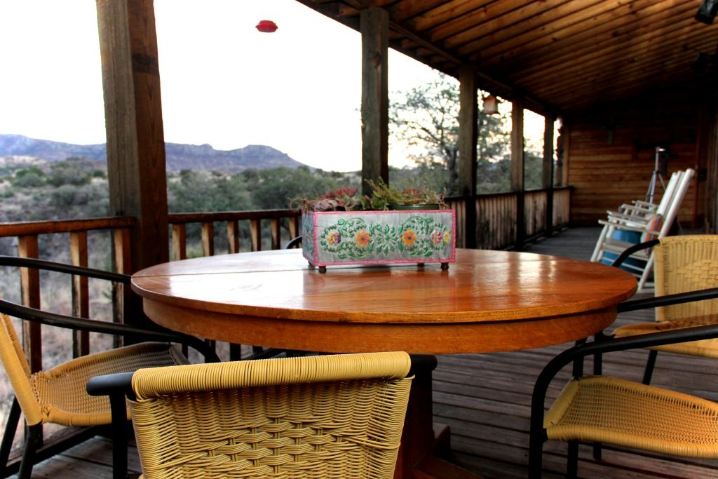 Luxury hunting cabin 39 on the rocks 39 fort davis big bend for Big bend texas cabin rentals