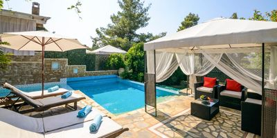 Photo for Whether you're into exploring the great outdoors or relaxing on your sun lounger, three-bedroomed Ta