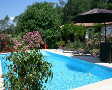 Photo for Les Glycines Le Thoronet, Room in villa, private pool, quiet.