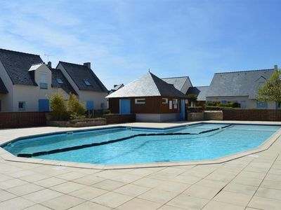 Photo for Holiday house, beach, center and shops on foot in residence with pool
