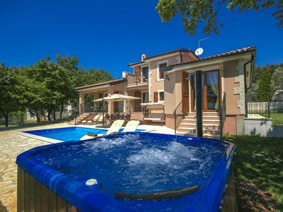 Photo for Holiday house Fuskulin for 8 persons with 4 bedrooms - Villa