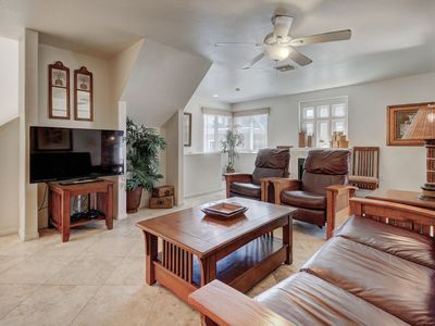 Photo for Beautiful home w/contemporary touches, close to attractions!