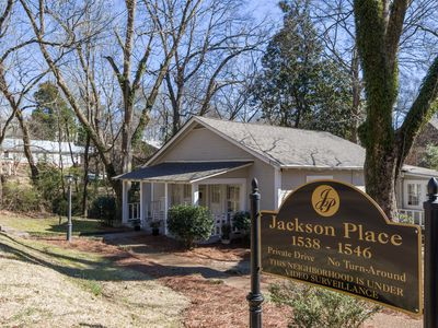 Photo for 1538 E Jackson Charming 3 BR 3 BA one-story home just off the Oxford Square