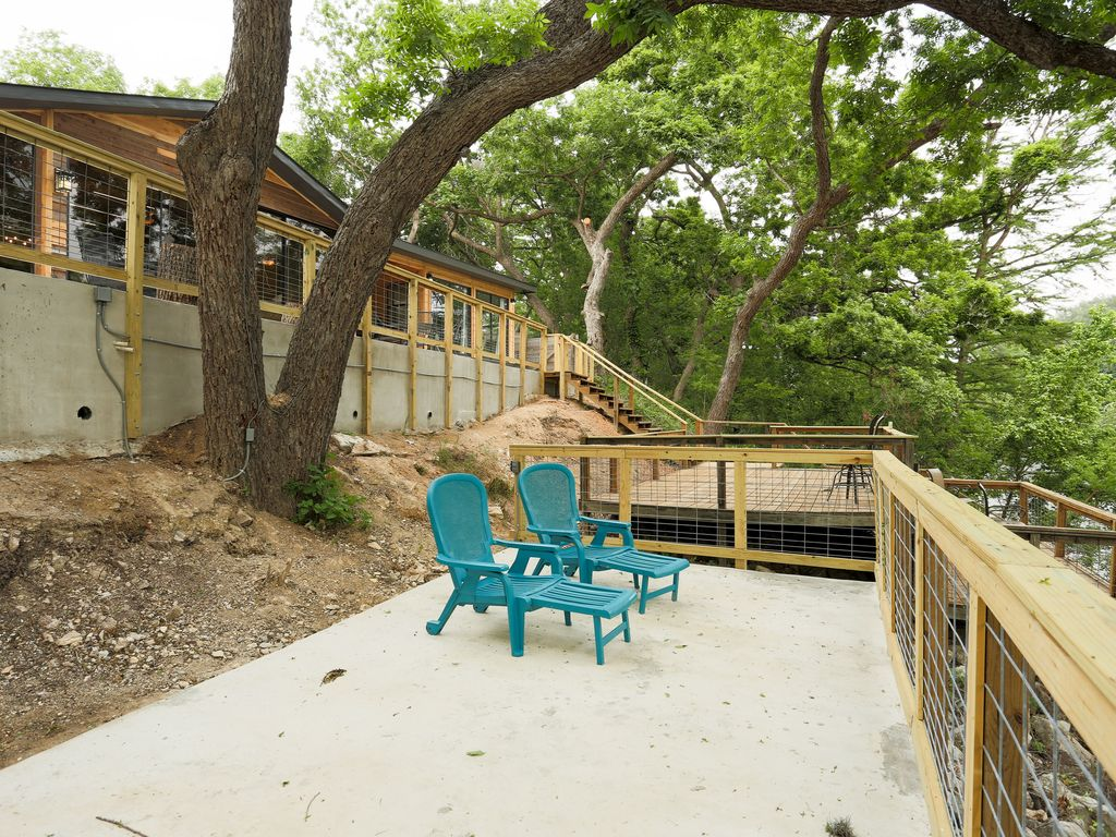 Cabins in new braunsfel guadalupe river spectacular views for Texas hill country cabin builders