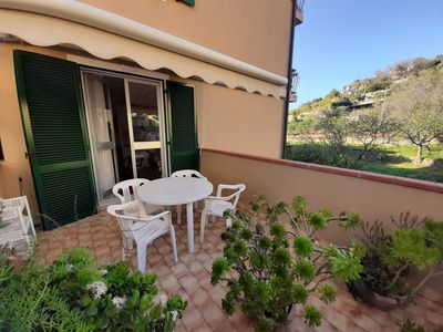 Photo for Apartment with terrace a few minutes walk from the sea