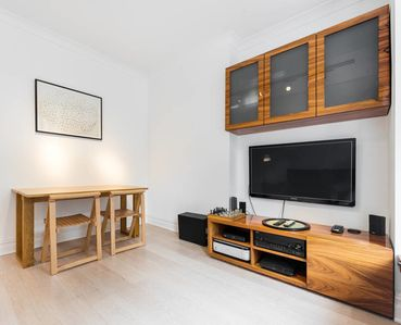 Photo for Chic 1 bed Belsize Park flat - 4 mins from tube