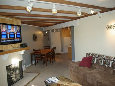 Cozy Condo Close To Several World Class Resorts, Outlet Malls & Hiking Trails!