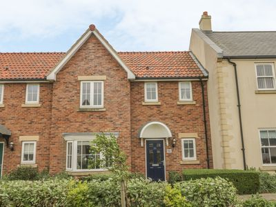 Photo for White Rose Cottage, FILEY