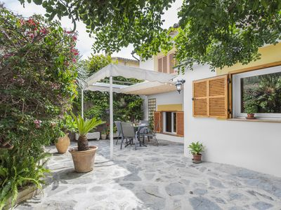 Photo for Beautiful and modern property with private terrace close to the beach. WIFI FREE