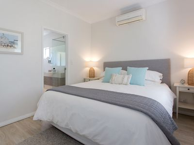 Photo for Walk to station, 25 mins drive to city, 5 mins to beaches, 3 mins shops, cafes
