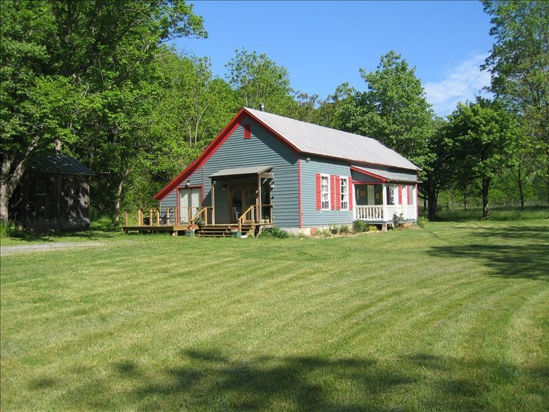 Alone mill schoolhouse outdoor lover 39 s pa homeaway for Cabin rentals near lexington va