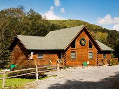 Private Log Home, Near all Attractions  EG30