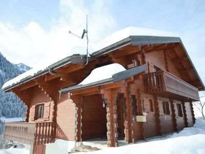 Photo for 5 Bedroom Chalet with large living area and hot tub.