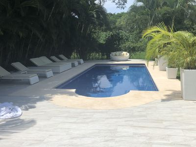Beautiful Modern House with large new swimming pool 2 min walk to ...