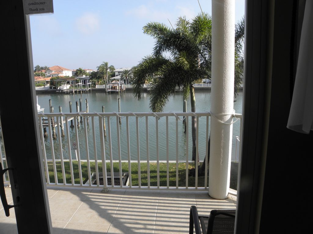 Luxury waterfront condo w boat dock and rooftop terrace for 4 church terrace docking