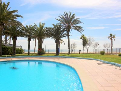 Photo for Nice apartment, in front of the sea and with pool in Santa Margarita (Roses).